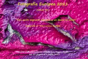 """""""Con occhi sognanti davanti a un muro di colori"""" Fotografia Europea 2021 Circuito OFF - Mascotte Cafè - Reggio Emilia"""
